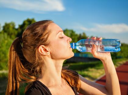 Co jeść i pić w czasie prawdziwych upałów?