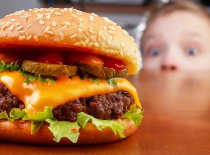 Co kryje w sobie fast food?