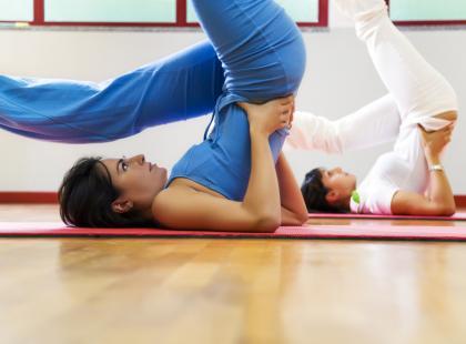Co łączy ajurwejdę z jogą?