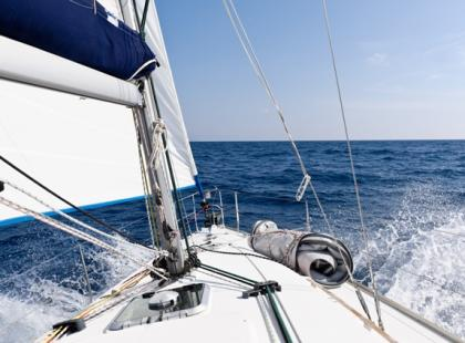 Co lepsze: żeglarstwo morskie czy śródlądowe?