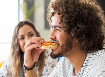 Co lubi jeść Byk, a czym uwiedziesz Pannę? Najlepsza kolacja dla faceta