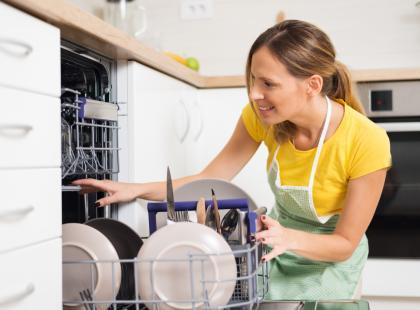 Co można, a czego nie powinnaś zmywać w zmywarce?