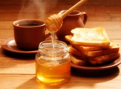 Co pomaga leczyć miód?