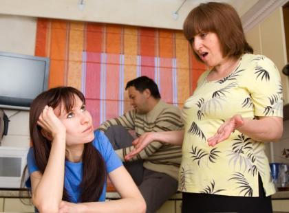 Co robić, gdy matka jest zbyt zaborcza?