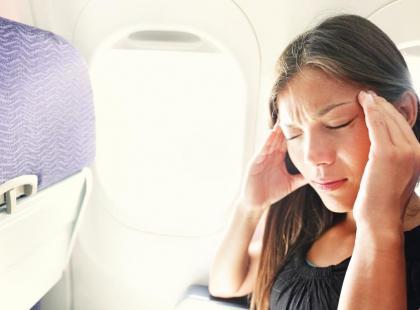 Co robić, jeśli podczas lotu odczuwasz ból zęba?