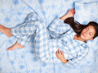Co się dzieje w organizmie podczas snu?