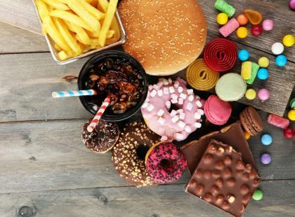 Co to są puste kalorie? Nadwaga i niedożywienie mogą iść w parze!