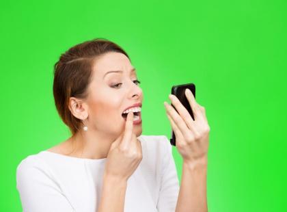 Co zrobić, aby zęby po wybielaniu nie ciemniały?