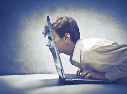 Coraz więcej nastolatków uzależnionych od komputera