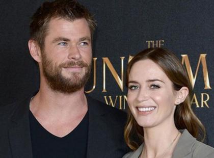 Czarująca Emily Blunt pochwalila się ciążowym brzuszkiem na premierze