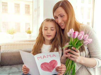 Czego życzyć mamie w dniu jej święta? Oto najpiękniejsze życzenia na Dzień Matki!