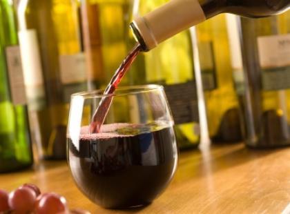 Czerwone wino sposobem na witalność i piękną cerę!