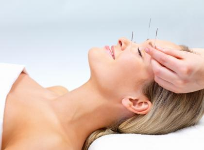 """Czy akupunktura """"pozorowana"""" jest lepsza od akupunktury tradycyjnej?"""