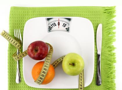 Czy głodząc się schudniesz?