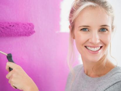 Czy gniazdka i wyłączniki należy wykręcać ze ściany przed malowaniem?