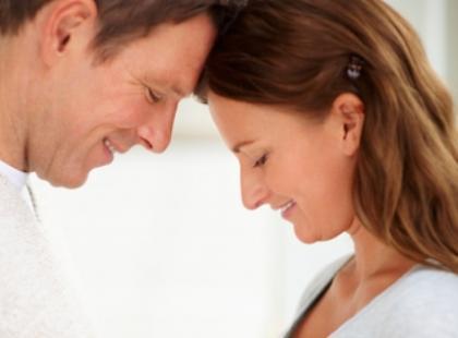 Czy istnieją pozycje seksualne, które ułatwiają zajście w ciążę?