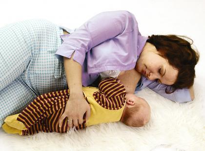 Czy karmienie zabezpiecza przed ciążą