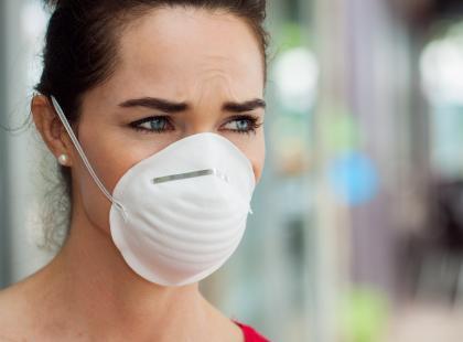 Czy maseczki faktycznie chronią przed zanieczyszczeniami? Mamy opinię lekarza!