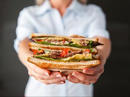 Czy można jeść chleb na diecie odchudzającej? 9 zasad, dzięki którym zjesz kanapkę i nie przytyjesz!