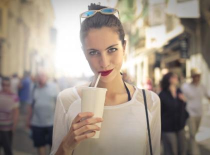 Czy picie koktajli w proszku faktycznie odchudza?