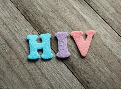 Czy powinnaś zrobić badanie na obecność wirusa HIV? Sprawdź!