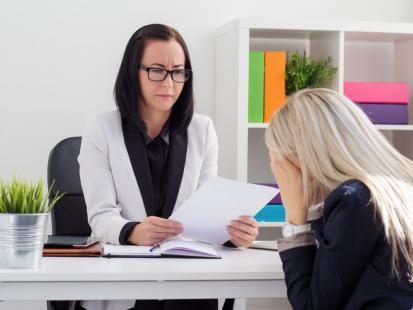 Czy pracodawca może wypowiedzieć ci umowę na czas określony?