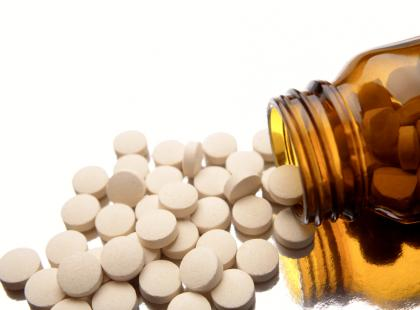 Czy przyjmowanie aspiryny zmniejsza ryzyko zachorowania na raka jelita grubego?
