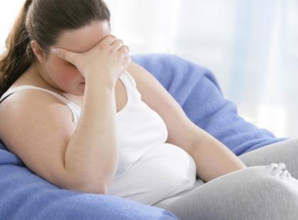 kobieta, nadwaga, otyłość, smutek, depresja, przygnębienie, ból/ fot. Fotolia