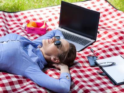 Czy urlop na żądanie wlicza się do urlopu wypoczynkowego?