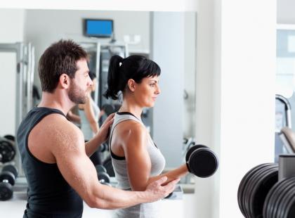 Czy warto ćwiczyć z trenerem osobistym?