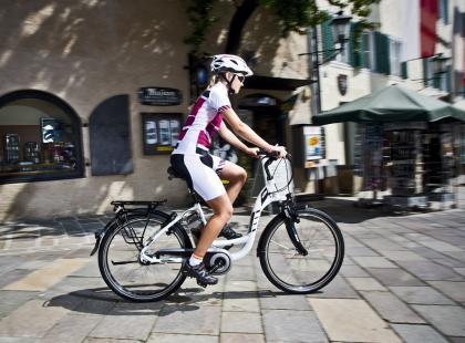 Czy warto jeździć na rowerze elektrycznym?