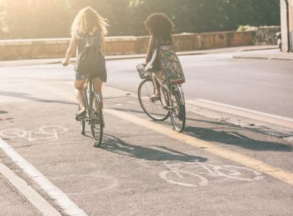 Czy warto jeździć na rowerze elektrycznym? Co daje taki rodzaj aktywności?