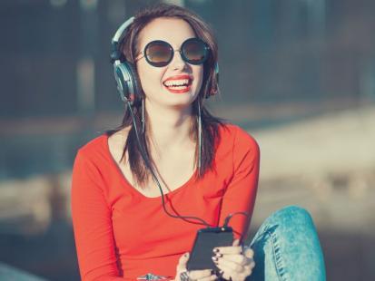 Czy warto słuchać muzyki w trakcie pracy?