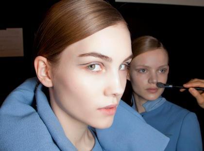 Czy warto stosować bazę pod makijaż?