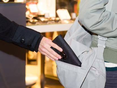 Czy warto ubezpieczyć torebkę?