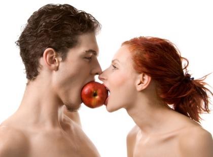 kobieta mężczyzna związek uczucia jedzenie, Shutterstock