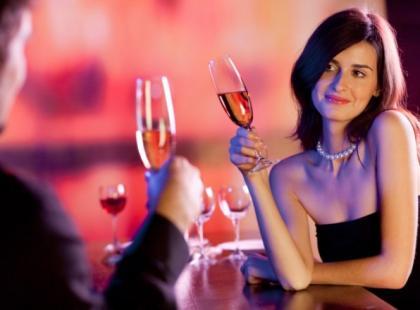 Czy wiesz jak prowadzić interesującą rozmowę na randce z dziewczyną?
