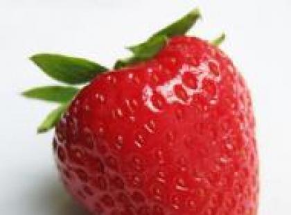 Czy wiesz, że owocem właściwym truskawki są żółte nasionka na jej powierzchni?