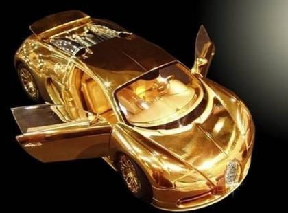 Czy wiesz, że złota miniaturka Bugatti Veyron jest droższa niż oryginał?