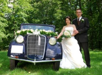 Czym do ślubu? Jaguar czy bryczka?