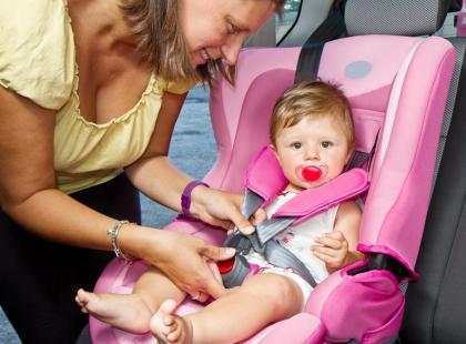 Czym grozi zostawienie dziecka w nagrzanym samochodzie?