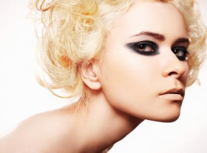 Czym jest baza pod makijaż?