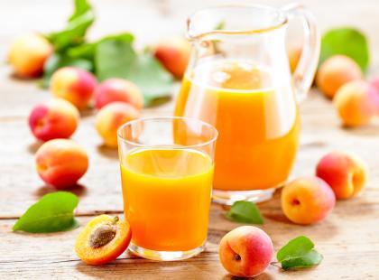 Czym różnią się od siebie napój, nektar i sok?