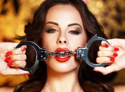 Czym uwielbiamy bawić się w sypialni? 6 najczęściej kupowanych gadżetów erotycznych