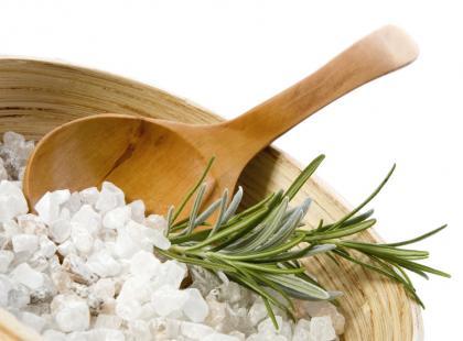 Czyszczenie srebra solą kuchenną