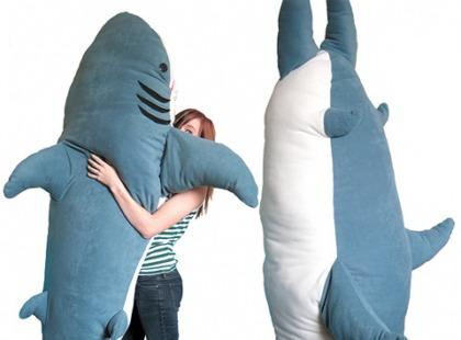 Daj się połknąć rekinowi