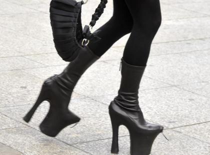 Daphne Ginness przesadziła z butami