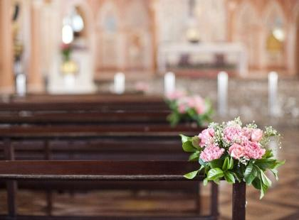 Dekoracje kościoła na Komunię – zrób to sama!