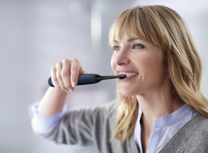 Delikatne czyszczenie zębów? Z tą szczoteczką to możliwe!