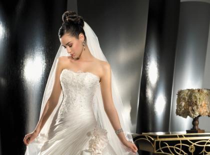 Demetrios - suknie ślubne na wiosnę i lato 2010